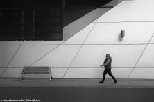 PEOPLE WALKING 62